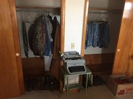 underwood typewriter, vintage levi jeans, Camo gear