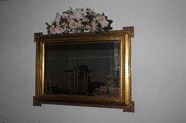 36X24 Wall Mirror - excellent condition
