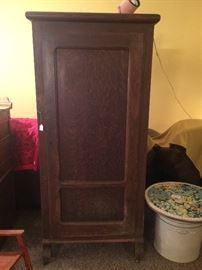 Antique Oak Single Door Wardrobe
