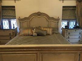 LAURA ASHLEY KING SIZE BEDROOM SUITE