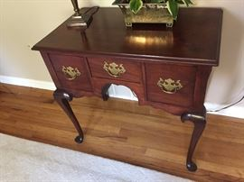 Chippendale style 3 drawer accent table in beautiful condition.