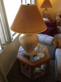 END TABLE, TABLE LAMP, COLLECTIBLES