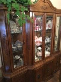 CHINA CABINET, COLLECTIBLES