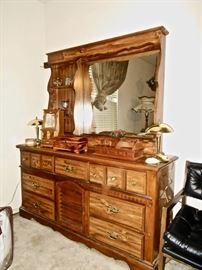 Dresser,Springhill