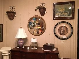 Mirrors, lamps, pictures, wooden boxes