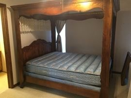 Ethan Allen French Country Cottage Canopy Bed