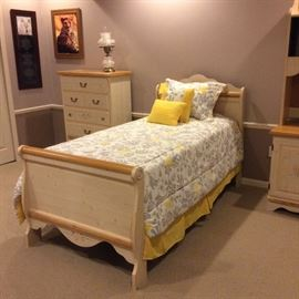 Kathy Ireland complete twin bedroom set. Twin bed, chest, dresser with mirror and desk