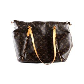 dcd17260078f Louis Vuitton Totally GM Monogram Canvas Tote Bag: A Louis Vuitton Totally  GM monogram canvas