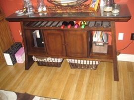 DARK WOOD DINING/KITCHEN SUITE WITH BENCH AND SERVER STATION