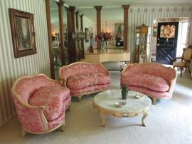 FRENCH LIVING ROOM SUITE