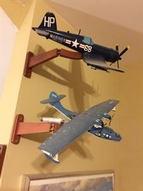 Model Planes with Display Mounts