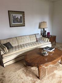 Vintage tuffed sofa