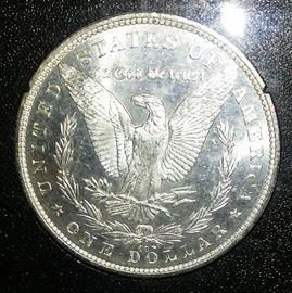 1882 CARSON CITY UNCIRCULATED SILVER DOLLAR IN GOVERNMENT HOLDER