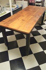 Farmhouse Table 29x74