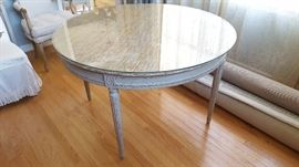 Round 48' Table w/Removable Glass Top
