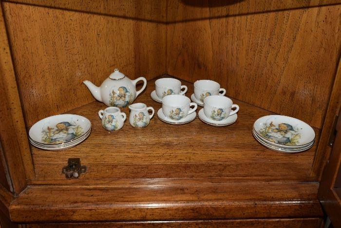 collectors tea set