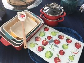 tons of kitchenware & bakeware