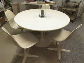 MCM tulip table & 4 chairs by Burke