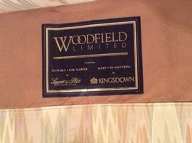 Woodfield Liminted Sofa - Hide-a-Bed King Size - like new