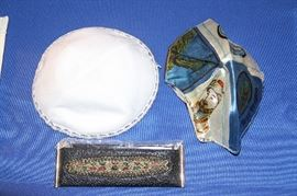 Comb Holder, 2 Kippah's or yarmulke's.