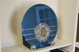 Relica of a vintage Radio