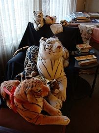 Lots of tigers, both big and small