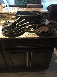 Cast Iron Pans / Roasting Pans