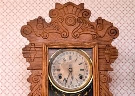 BUY IT NOW! Lot # 100, Hand Carved Wood 31 Day Shelf / Mantle Gingerbread Clock, $200