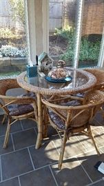5 piece rattan patio  4 chairs and table