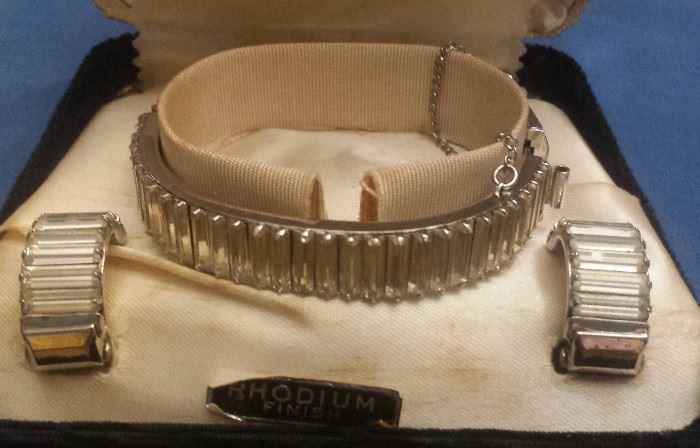 Rhodium bracelet and earrings