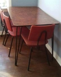 retro table/chairs