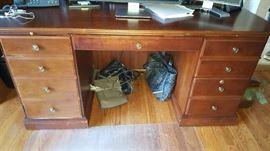 Wood desk     $100