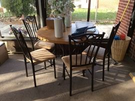 Dinette table and 4 chairs