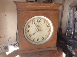Electric master clock
