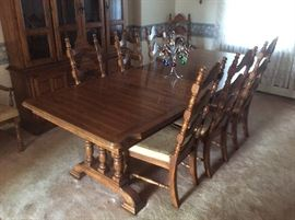Large oak table , very nice