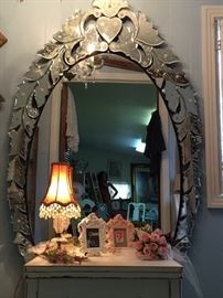 Stunning Venitian Mirror with Beautiful Etching