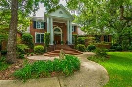 GREAT HOME IN MT. PLEASANT - GATED COMMUNITY BUT GATE WILL BE OPEN FROM 12-4 FOR THE SALE!!!