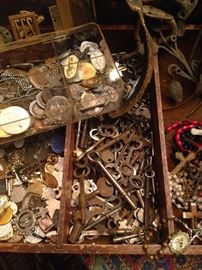 Religious medals, Old Keys, Rosaries and hardware