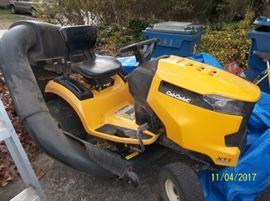 Cub Cadet Xt1 Enduro Series 42: cut riding mower