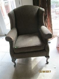 COMFY WINGBACK CHAIR
