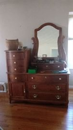 Oak bedroom set - queen size sleigh bed, dresser with mirror and lingerie chest