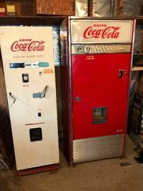 Early coke machine very nice condition