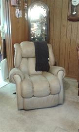 one of 2 recliners available