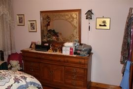 dresser mirror bedroom
