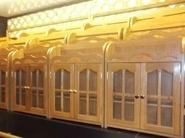 many oak wall cabinets