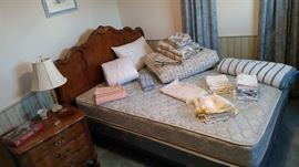 Thomasville, Full Size Bed Set