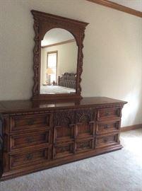Low dresser & mirror