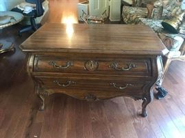 #2 Heritage Randtour End Table 34x19x22 $200.00