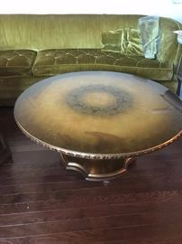 #6 round pedistal Table w/glas top - Gold 36x17 $100.00
