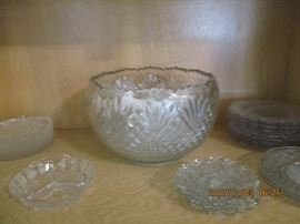 vintage punch bowl and glassware